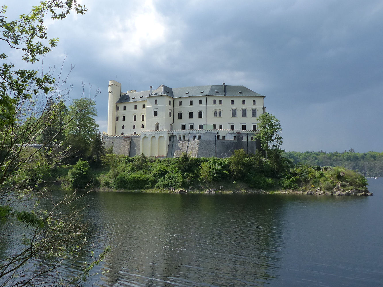 Orlik Castle