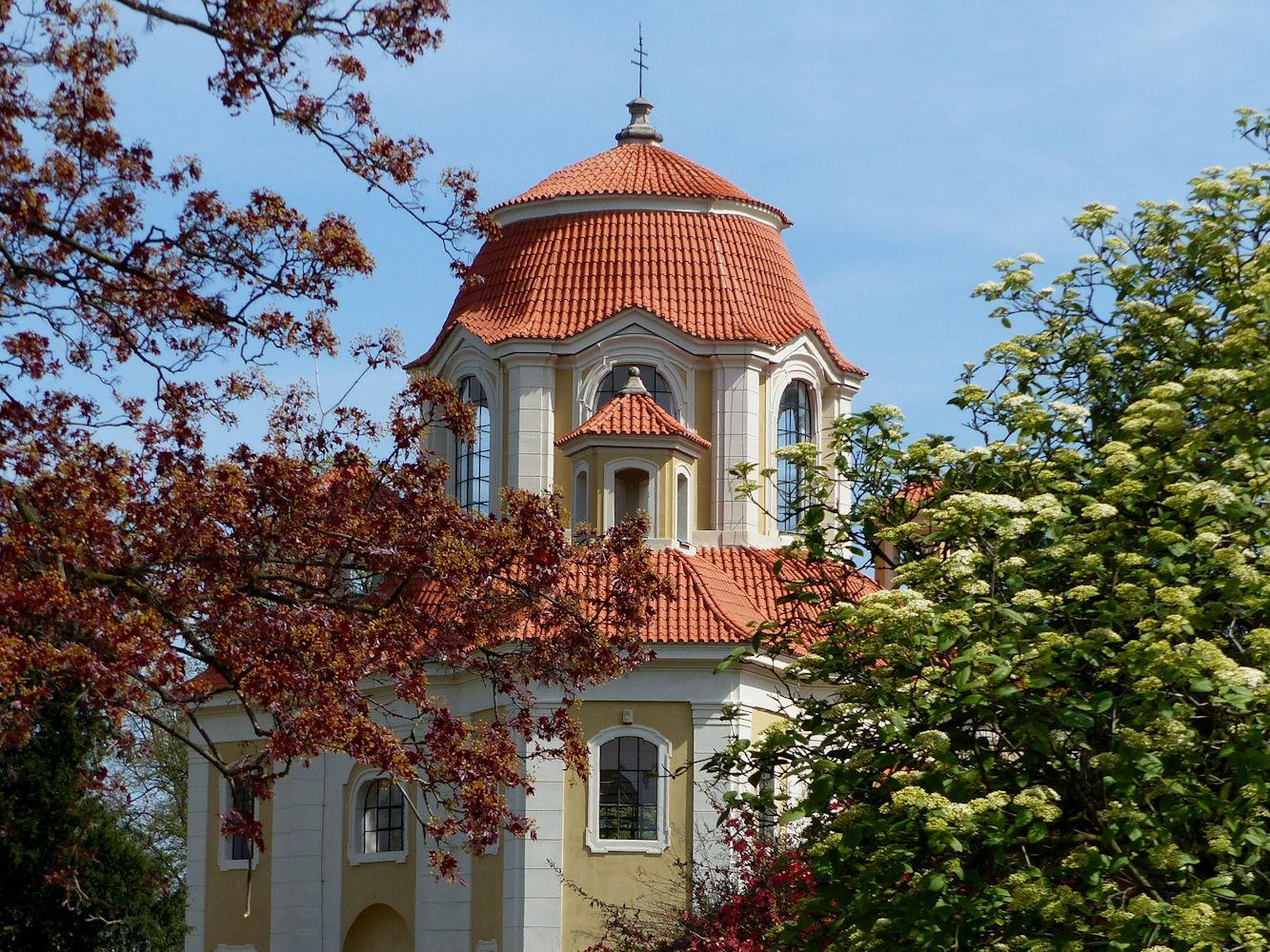 Upper Chateau, Panenske Brezany