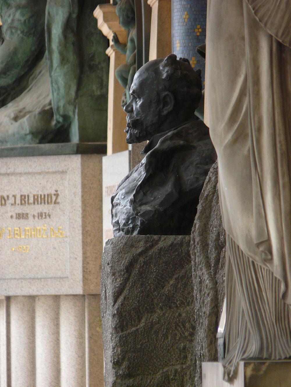 Bust of Dvořák by Šaloun, Vyšehrad