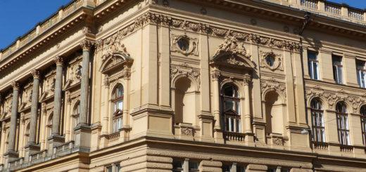 Náměstí Míru 820/9: Národní dům (National House)