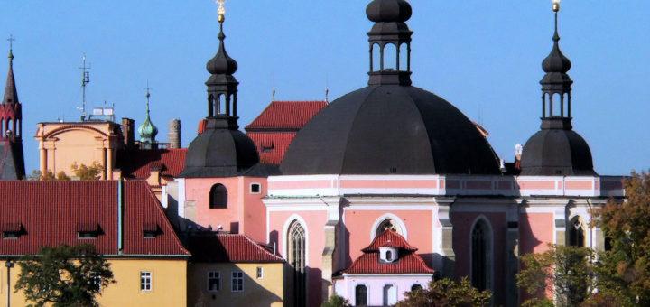 Ke Karlovu 453/1: Church of Our Lady and Charlemagne