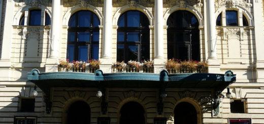 Náměstí Míru 1450/7: Vinohrady Theatre