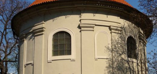 Olšanské náměstí: Church of St Roch