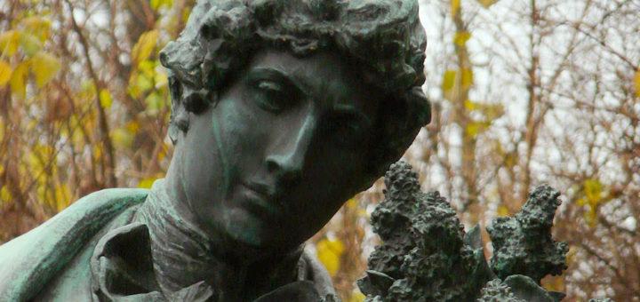 Petřínské sady: Statue of Karel Hynek Mácha