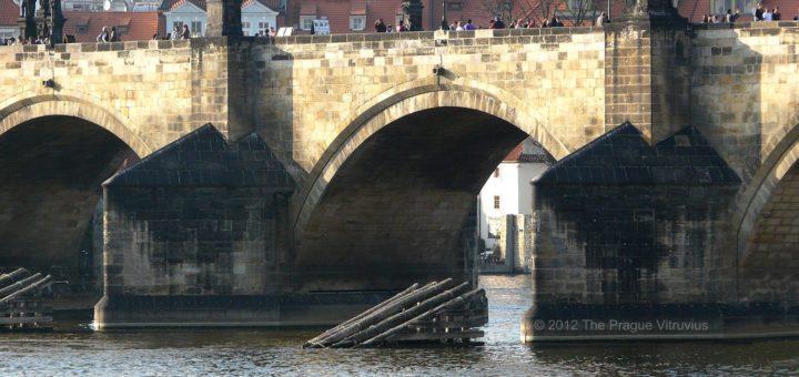Karlův Most: Charles Bridge