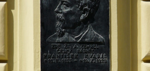 Korunní 1151/67: Memorial plaque to František Kvapil