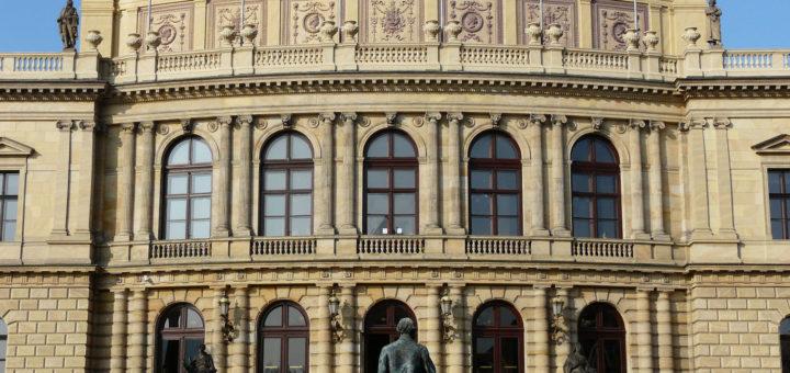 Náměstí Jana Palacha 79/1: Rudolfinum