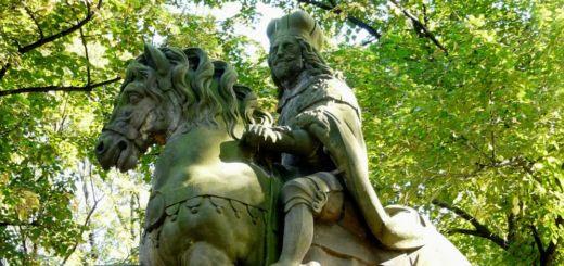 Štulcovy sady, Vyšehrad: Statue of St Wenceslas